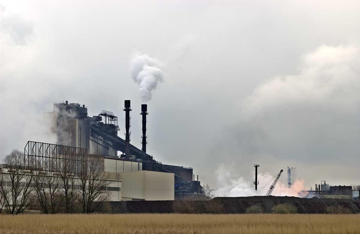 Une usine sidérurgique Brême dans le nord de l'Allemagne