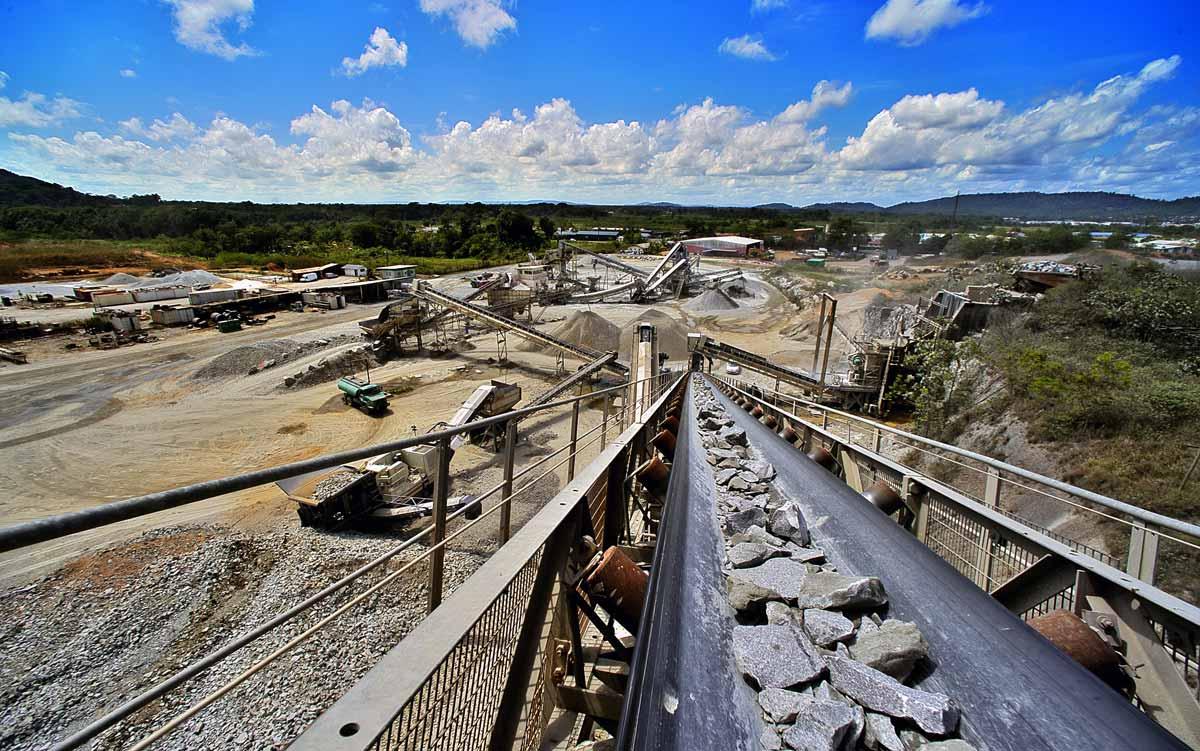 Raffinerie de granulats à Cayenne en Guyane française